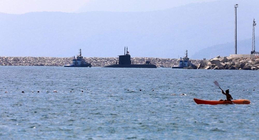 Konyaaltı Sahili'nde görülen Türk denizaltısı turistleri şaşırttı galerisi resim 3