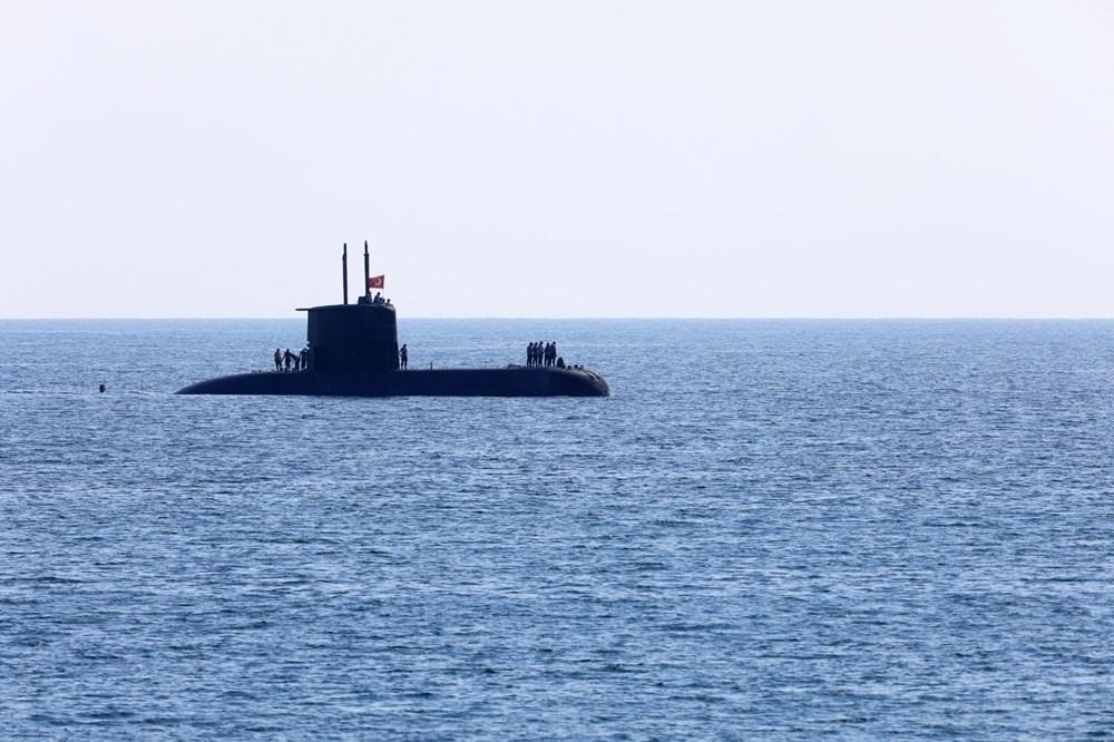 Konyaaltı Sahili'nde görülen Türk denizaltısı turistleri şaşırttı galerisi resim 6