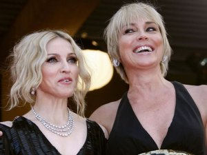 Sharon Stone'den öpüşme itirafı