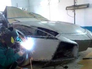 Elindeki hurda aracı, Lamborghini'ye dönüştürdü!