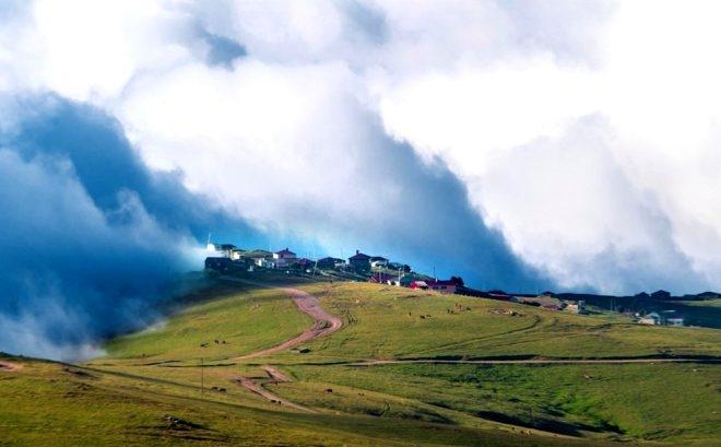 Bulutların üzerindeki yayla seyri doyumsuz manzarasıyla büyülüyor galerisi resim 2