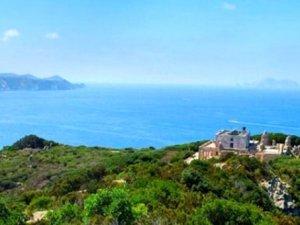 İtalya'nın yasaklı cinsel ilişki adası, karanlık tarihi ile ürkütüy