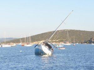 Deprem sonrası korkutan manzara! Deniz çekildi
