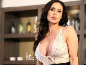 Cinsel içerikli film yıldızından maçta testis travması geçiren Rodriguez