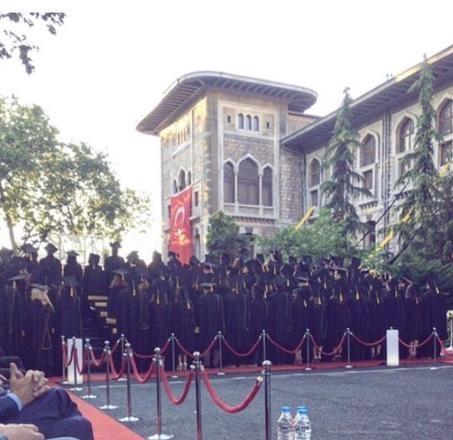 İstanbul Erkek Lisesi'nde protesto... Müdüre sırtlarını döndüler galerisi resim 2