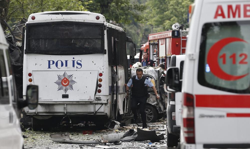 Foto Galeri: İstanbul'da Bombalı Saldırı galerisi resim 1