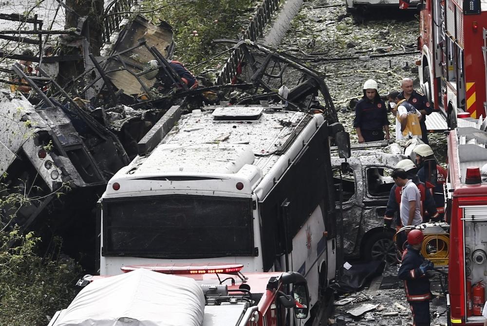 Foto Galeri: İstanbul'da Bombalı Saldırı galerisi resim 11