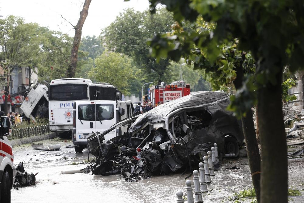 Foto Galeri: İstanbul'da Bombalı Saldırı galerisi resim 16