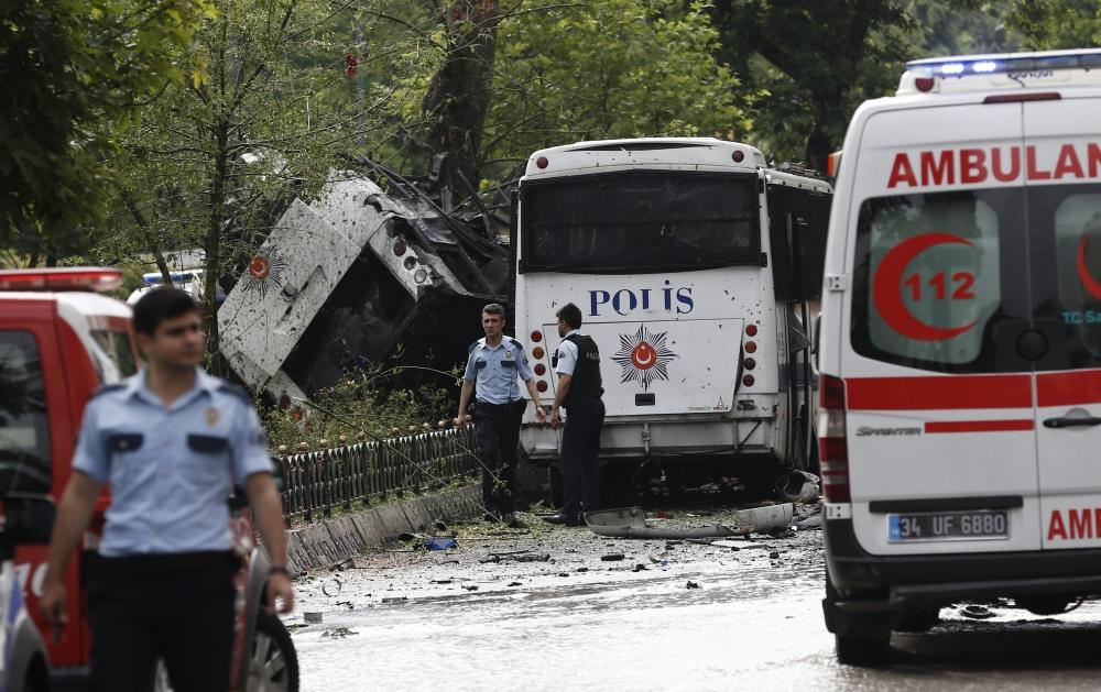 Foto Galeri: İstanbul'da Bombalı Saldırı galerisi resim 20