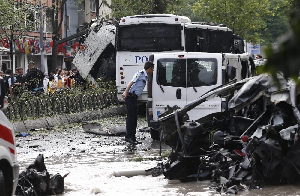 Foto Galeri: İstanbul'da Bombalı Saldırı galerisi resim 22