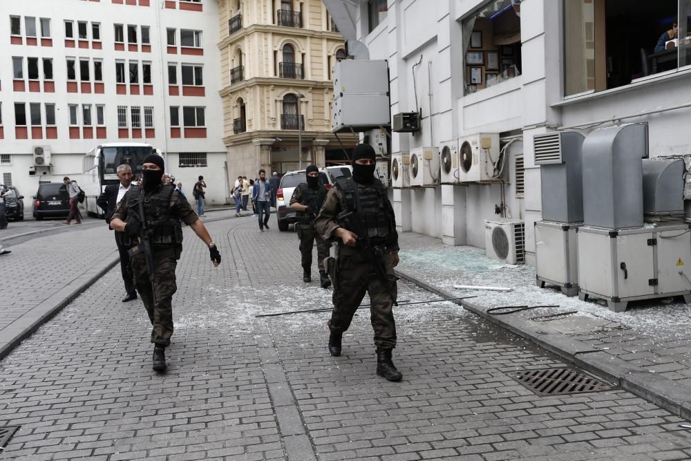 Foto Galeri: İstanbul'da Bombalı Saldırı galerisi resim 24