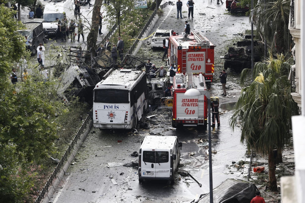 Foto Galeri: İstanbul'da Bombalı Saldırı galerisi resim 28