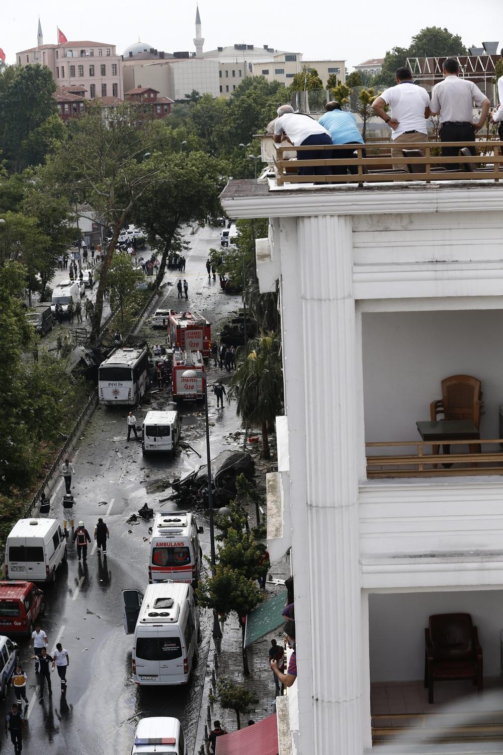 Foto Galeri: İstanbul'da Bombalı Saldırı galerisi resim 4
