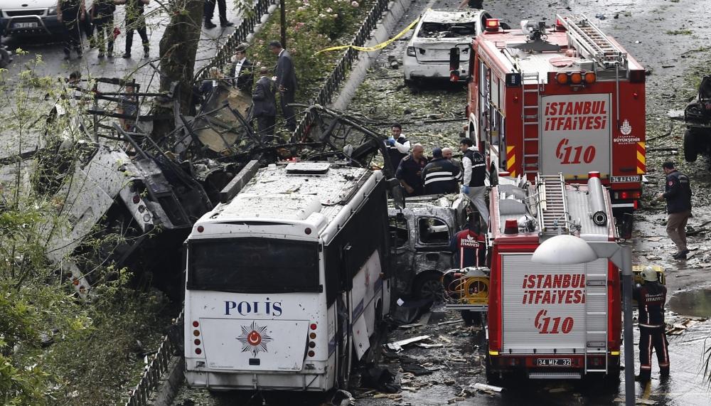 Foto Galeri: İstanbul'da Bombalı Saldırı galerisi resim 9