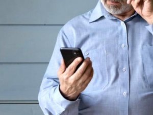 Baba, kadın öğretmenin 12 yaşındaki kızına gönderdiği mesaj sonrası poli