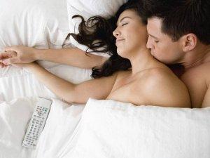 Seks sonrası neden uyku bastırır?