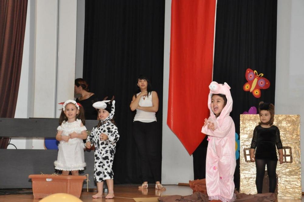 Yakın Doğu İlkokulu Okul Öncesi ve Kreş Bölümünün Miniklerinden Muhteşem galerisi resim 1