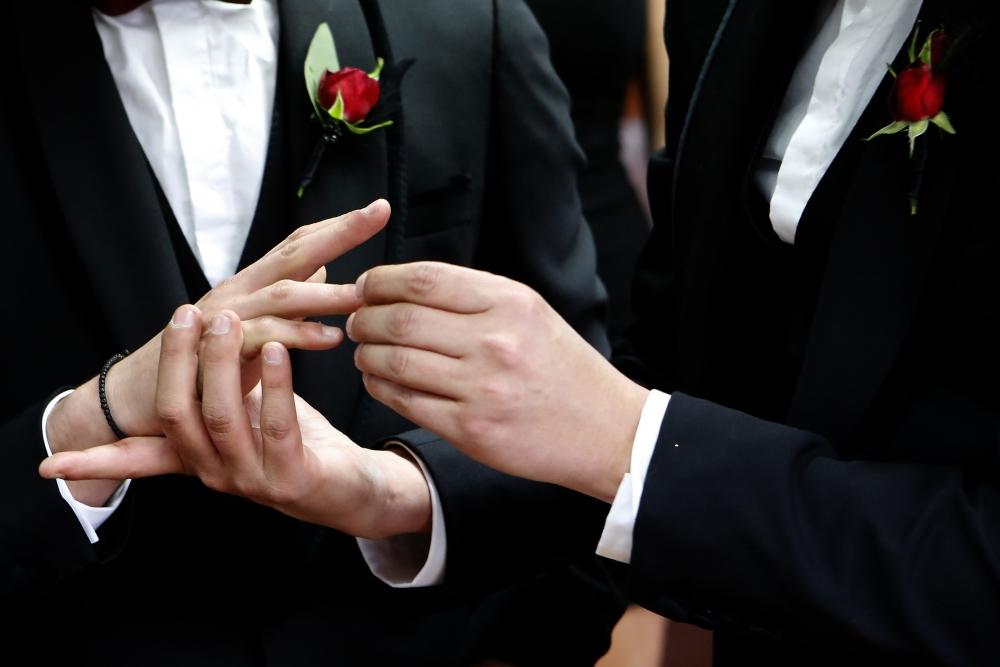 İşte Kıbrıs'ın ilk eşcinsel evliliğinden kareler galerisi resim 1