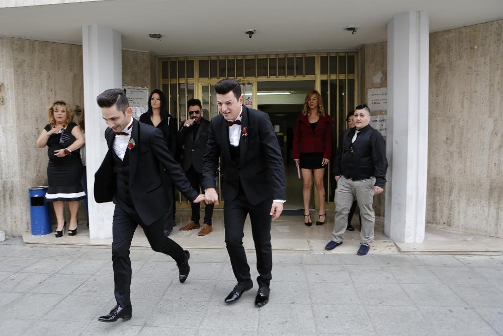 İşte Kıbrıs'ın ilk eşcinsel evliliğinden kareler galerisi resim 9