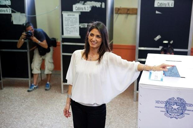 """Roma'ya """"beş yıldız""""lı belediye başkanı galerisi resim 7"""