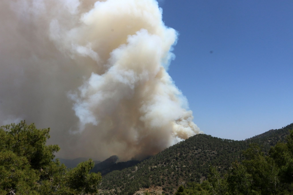 Yangın 2 can aldı. İşte Trodos'taki büyük yangından fotoğraflar galerisi resim 24