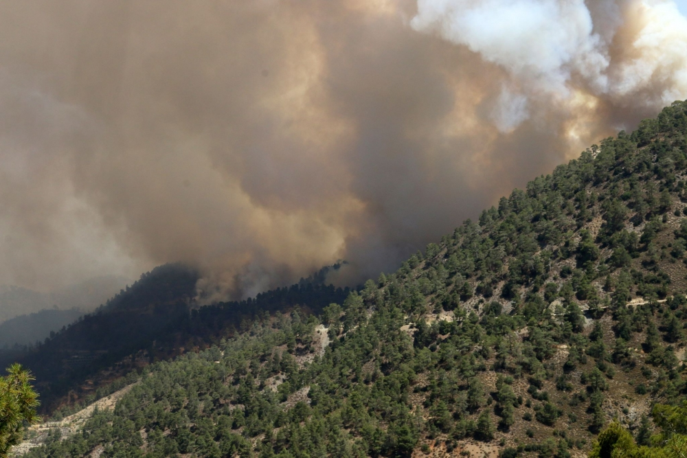 Yangın 2 can aldı. İşte Trodos'taki büyük yangından fotoğraflar galerisi resim 29