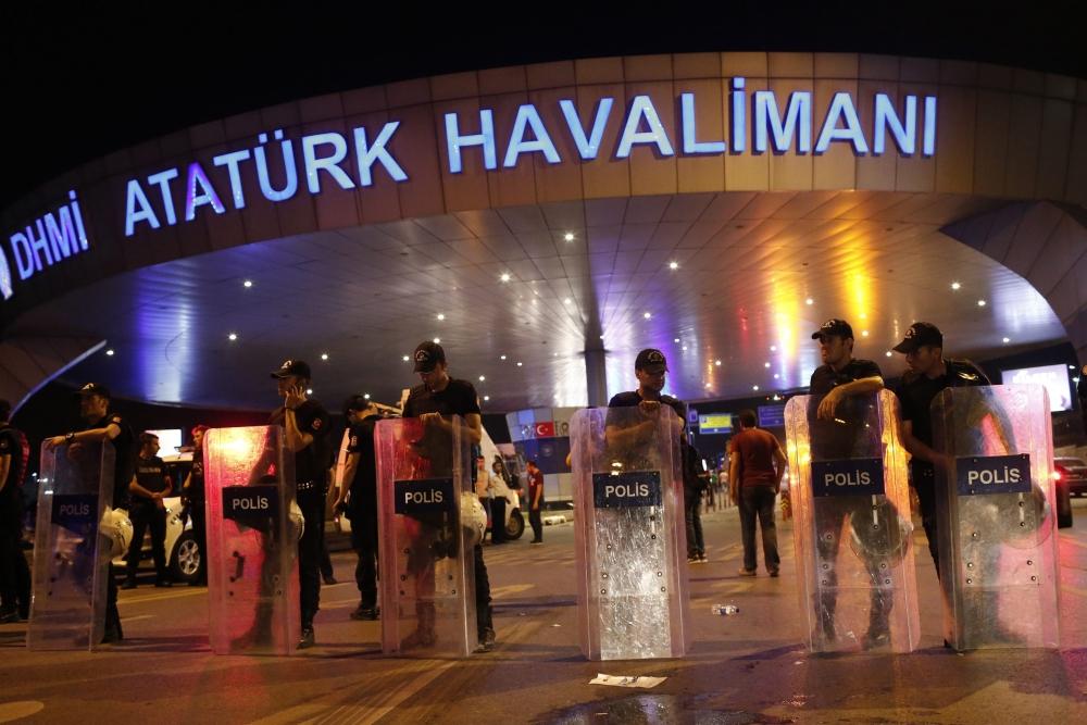 İstanbul Bombalı Saldırının Yayınlanmayan Resimleri galerisi resim 11