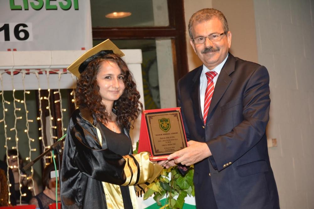 Namık Kemal Lisesi'nde Coşkulu Diploma Töreni ... galerisi resim 1