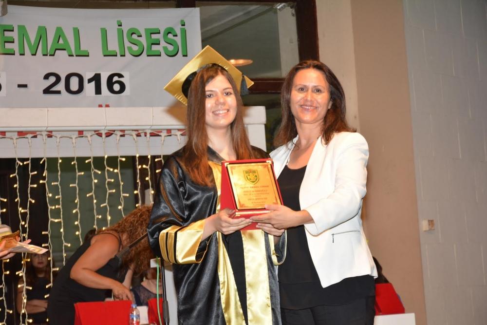 Namık Kemal Lisesi'nde Coşkulu Diploma Töreni ... galerisi resim 3