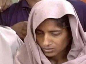 Evlenmesine izin vermeyen ailesini katleden kadın idam edilecek