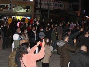 Gazetecilere yönelik sözlü saldırılar protesto edildi