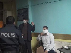 Corona baskını: Tuvalet kağıdını maske yaptı