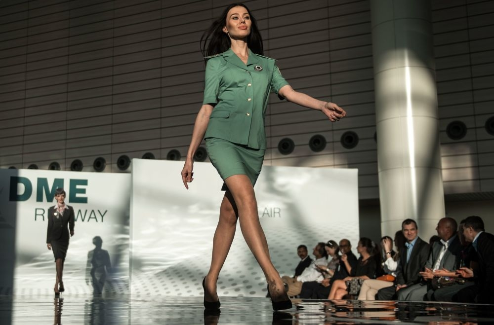 Moskova'da hostes moda defilesi galerisi resim 1