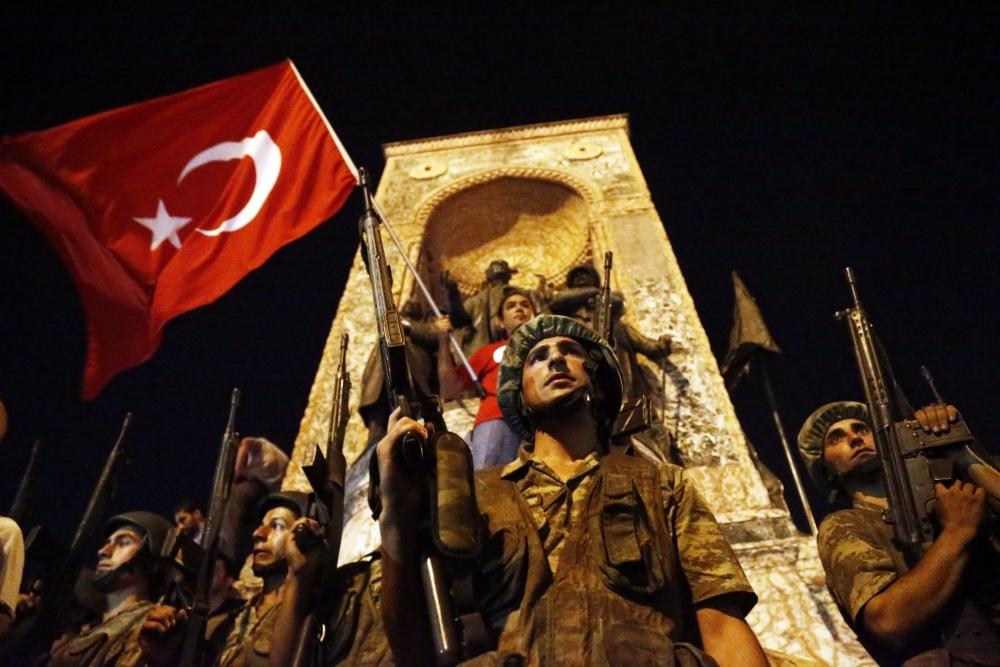 Darbe girişiminde Taksim'den fotoğraflar galerisi resim 4