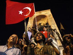 Darbe girişiminde Taksim'den fotoğraflar