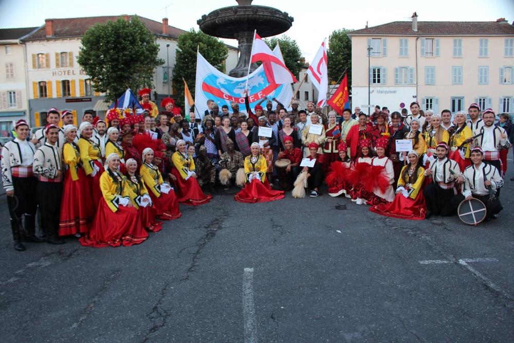 Pergamalı folklor ekibinden Fransa çıkarması! galerisi resim 30