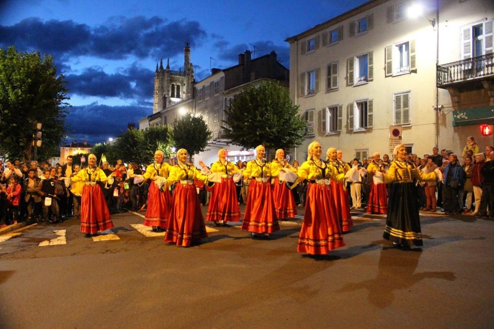 Pergamalı folklor ekibinden Fransa çıkarması! galerisi resim 35