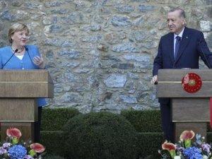 Dünden bugüne Erdoğan ile Merkel'in görüşmeleri