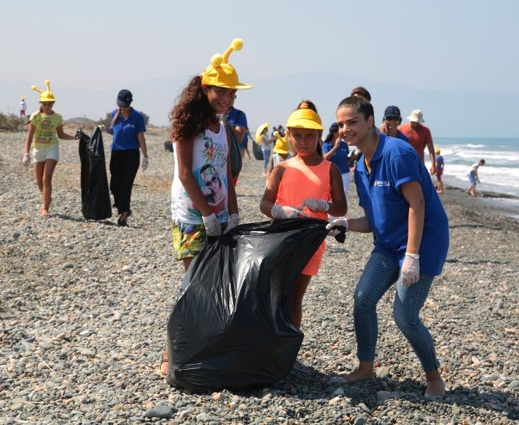Kuzey Kıbrıs Turkcell'in sahil temizlik etkinliği yapıldı galerisi resim 23