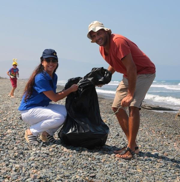 Kuzey Kıbrıs Turkcell'in sahil temizlik etkinliği yapıldı galerisi resim 8