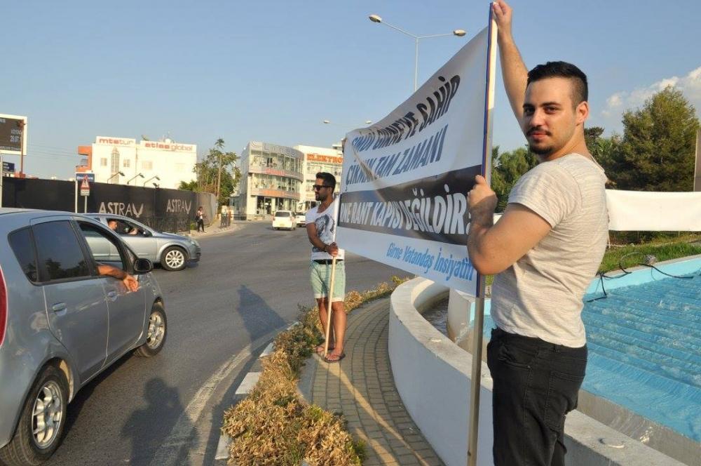 Girne'de Emirname Eyleminden Yaratıcı Pankartlar galerisi resim 10