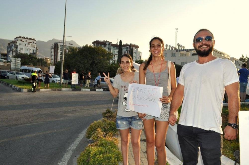 Girne'de Emirname Eyleminden Yaratıcı Pankartlar galerisi resim 13