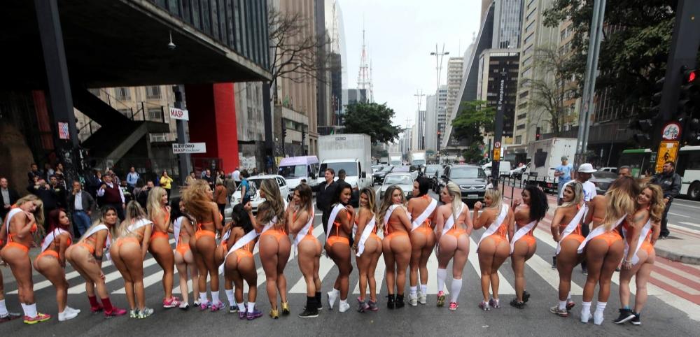 Brezilya'da en güzel kalçalı kadın yarışması galerisi resim 18