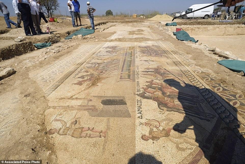 Kıbrıs'ta 1700 yıllık hipodrom bulundu! galerisi resim 4