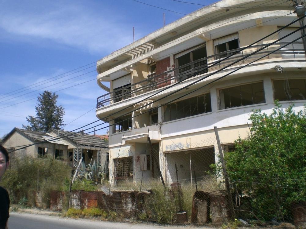 Kıbrıs'ın Hayalet Şehri Kapalı Maraş'ın 23 Fotoğrafta Hikayesi galerisi resim 12