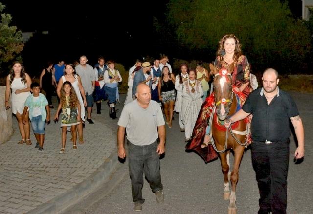TUFAD'dan Kıbrıs tüten bir kına gecesi galerisi resim 5