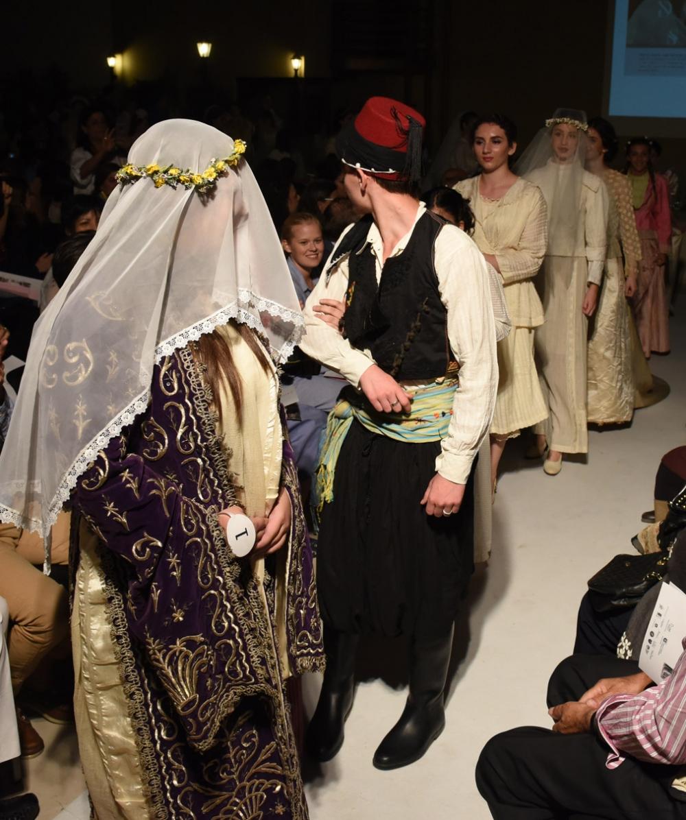 İşte Kıbrıs gelinlik kültürünün 200 yıllık değişimi! galerisi resim 14