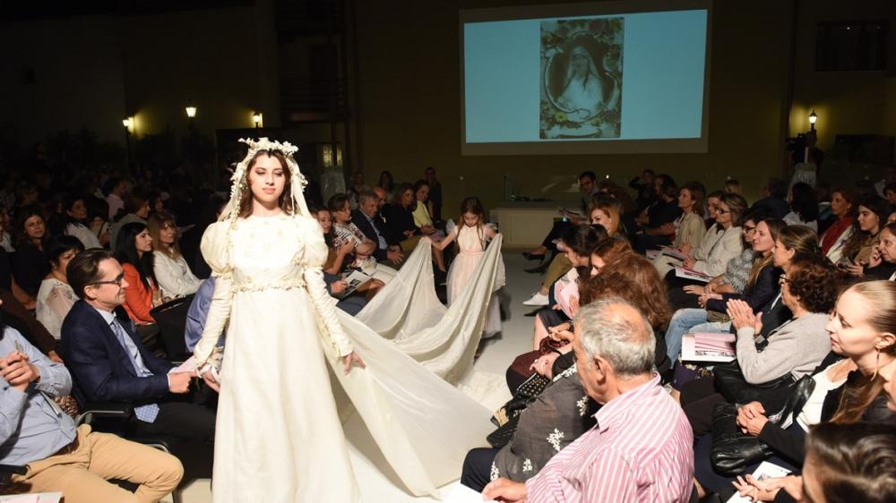 İşte Kıbrıs gelinlik kültürünün 200 yıllık değişimi! galerisi resim 3