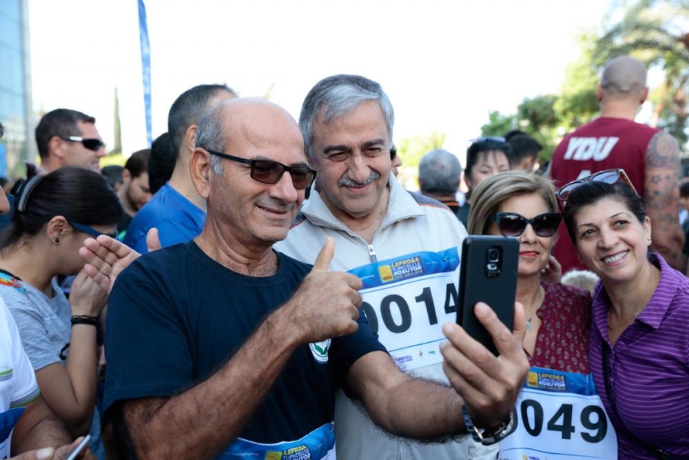 İşte Lefkoşa Maratonu'ndan eğlenceli görüntüler! galerisi resim 2