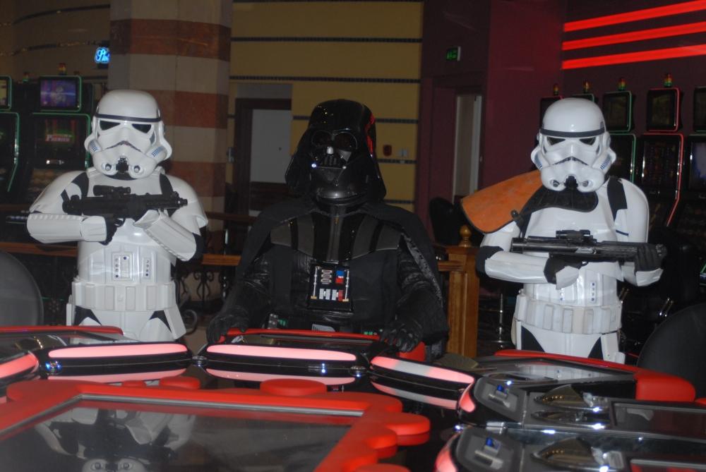 Star Wars karakterleri KKTC'ye gelip kumar oynadı galerisi resim 3
